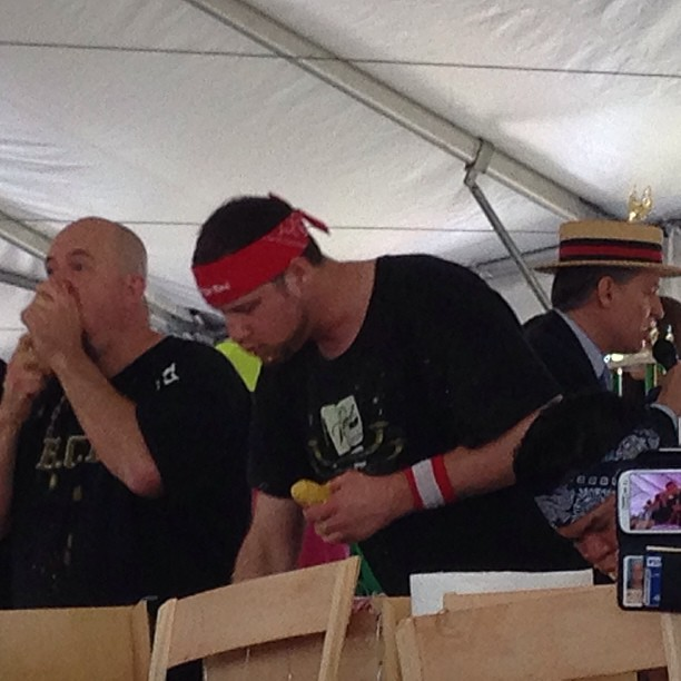 Only in America!! Sweet Corn Eating Contest!